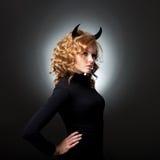 Piękna młoda dziewczyna diabeł Zdjęcie Royalty Free