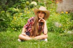 Piękna młoda dziewczyna z długie włosy obrazy stock