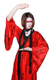 Piękna młoda gejszy dziewczyna w kimonie z kordzikiem Obrazy Stock