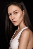 Piękna młoda kobieta pozuje w bieliźnie Obraz Stock