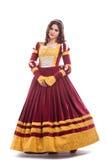 Piękna młoda kobieta w średniowiecznej ery sukni obraz royalty free
