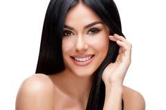 Piękna młoda kobieta z Czystym zdrowym włosy Zdjęcie Stock