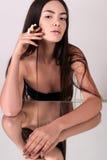 Piękna młoda kobieta z zdrową rozjarzoną skórą naturalne piękno Obraz Royalty Free