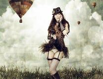 Piękna młoda steampunk kobieta plenerowa Obrazy Royalty Free