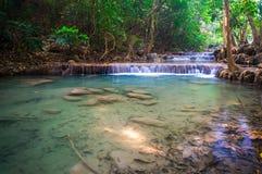 Piękna mała siklawa, Erawan park narodowy, Tajlandia Zdjęcie Royalty Free