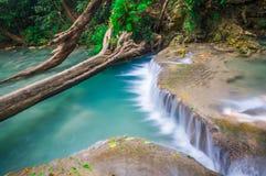 Piękna mała siklawa, Erawan park narodowy, Tajlandia Zdjęcia Stock