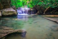 Piękna mała siklawa, Erawan park narodowy, Tajlandia Obraz Stock