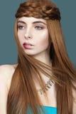 Piękna miedzianowłosa kobieta z bufiastymi wargami Zdjęcia Royalty Free