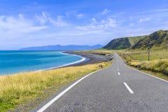 Piękna nabrzeżna droga dennym brzeg Zdjęcie Stock