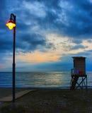piękna nad ptak chmur kolory muchy złota charakter wcześnie rano zwiększa morza przyjemny cicho odbicie na słońcu Obrazy Royalty Free