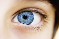 piękna niebieskie oko chłopiec zdjęcia stock