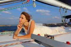 Piękna panna młoda - podróż na jachcie Fotografia Stock