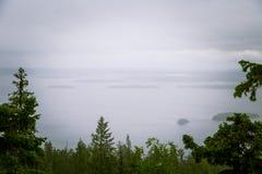 Piękna panorama jezioro i las od Kola parka narodowego osiąga szczyt Obrazy Royalty Free