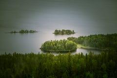 Piękna panorama jezioro i las od Kola parka narodowego osiąga szczyt Obrazy Stock