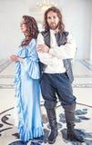 Piękna pary kobieta, mężczyzna w średniowiecznym i odziewamy obraz stock