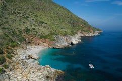 Piękna plaża - Cala della Capreria, parka narodowego Zingaro zdjęcia royalty free