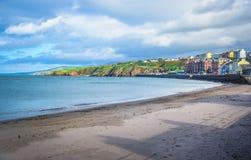 Piękna plaża i linia brzegowa nadmorski grodzka łupa, wyspa mężczyzna Zdjęcia Royalty Free