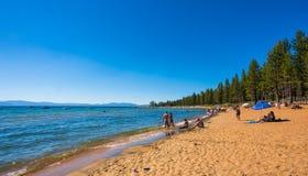 Piękna plaża w Jeziornym Tahoe, Kalifornia Obrazy Stock