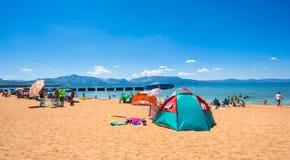 Piękna plaża w Jeziornym Tahoe, Kalifornia Zdjęcie Stock
