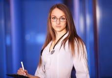 Piękna potomstwo pielęgniarka Zdjęcie Royalty Free