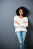 Piękna poważna amerykanin afrykańskiego pochodzenia kobieta obrazy stock