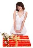 piękna pudełkowata kwiatu prezenta dziewczyny czerwień Obrazy Royalty Free
