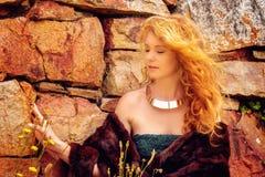 Piękna rudzielec w naturze Obraz Royalty Free