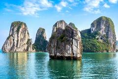 Piękna sceneria przy Halong zatoką, Wietnam Fotografia Royalty Free