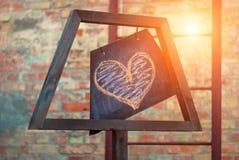 Piękna serce Jaskrawy nowożytny w ten sam czasu tle i rocznik (rówieśnik) Fotografia Stock