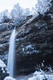 Piękna siklawa Pericnik w Juliańskich Alps w czarny i biały, Slovenia zdjęcie stock