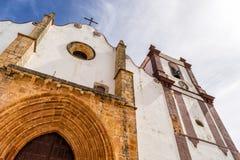 Piękna Silves katedra Obok sławnego Silves kasztelu, Algarve region Portugalia zdjęcia royalty free