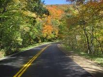 Piękna spadek przejażdżka na Wijącej drodze Obrazy Royalty Free