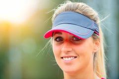 Piękna sporty blondynki dziewczyna zdjęcia royalty free