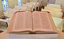 Piękna stara biblia otwierająca John zdjęcie royalty free