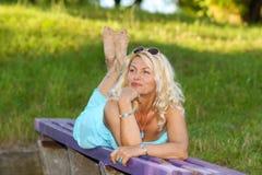 Piękna starsza blondynki kobieta Obrazy Royalty Free