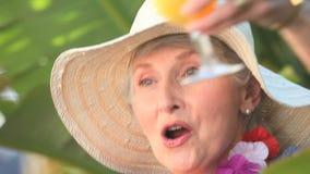 Piękna starzejąca się kobiety odświętność zbiory wideo