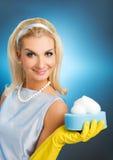 piękna szczęśliwa gospodyni domowa Zdjęcia Royalty Free