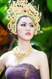 Piękna Tajlandzka dziewczyna w Tajlandzkim tradycyjnym kostiumu zdjęcia stock