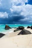 Piękna, tropikalna plaża, Obrazy Royalty Free