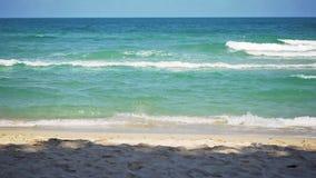 Piękna tropikalna plaża na Koh Samui, Tajlandia swobodny ruch 1920x1080 zdjęcie wideo