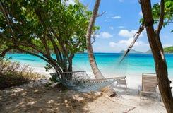 Piękna tropikalna plaża przy Karaiby Zdjęcia Stock