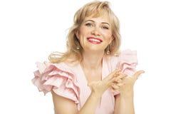 Piękna uśmiechnięta kobieta, w górę, odizolowywająca na białym tle zdjęcie royalty free