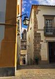 Piękna ulica w Evora, Portugalia Zdjęcia Royalty Free