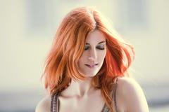 piękna włosiana czerwona kobieta Obrazy Royalty Free