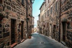 Piękna Włoska ulica stary miasteczko w Włochy obrazy stock