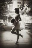 piękna wiązka kwitnie dziewczyny obraz royalty free