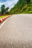 Piękna Wiejska droga obok plaży wokoło Phuket wysp, widok Obraz Stock