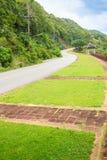 Piękna Wiejska droga obok plaży wokoło Phuket wysp, widok Zdjęcia Royalty Free