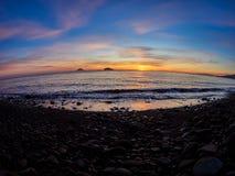 Piękna wschód słońca witka Stromboli i Panarea wyspy widzieć od Salina wyspy w Eolowych wyspach, Sicily, Włochy zdjęcia royalty free