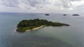 Piękna wyspa Z Intymną plażą Obraz Royalty Free